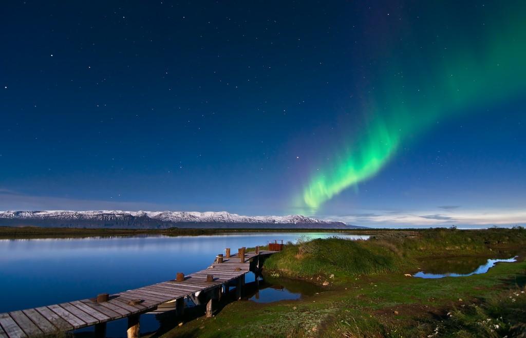 Norðurljós við Kaldbak. Mynd: Rafal Nowosielski.